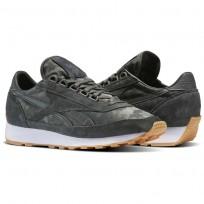 Reebok Aztec Shoes Mens Iron Stone/White-Gum BS5512